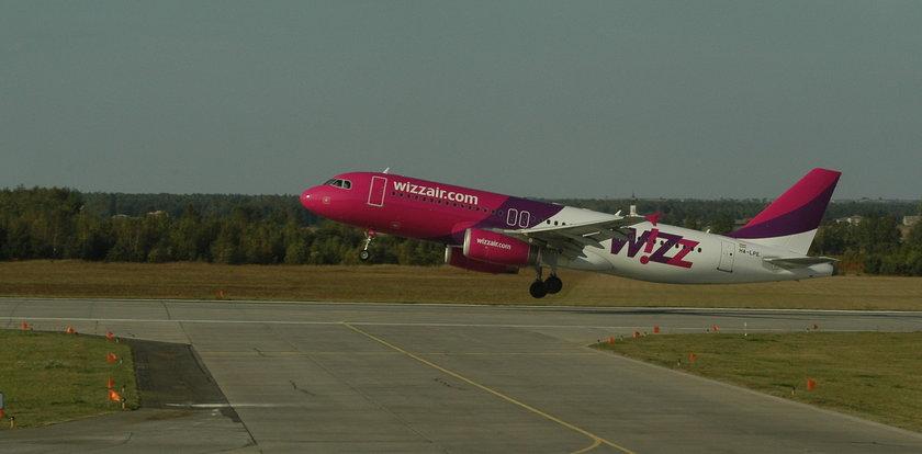 Awaryjne lądowanie samolotu Wizz Air w Pyrzowicach. Na pokładzie 150 osób