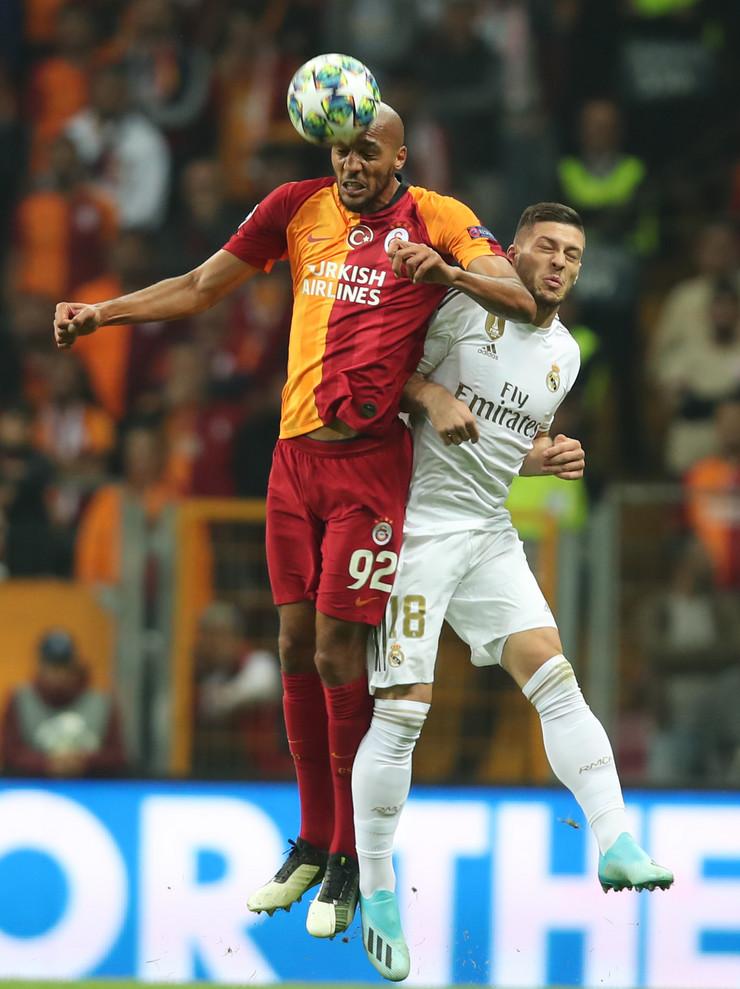 Luka Jović na utakmici protiv Galatasaraja