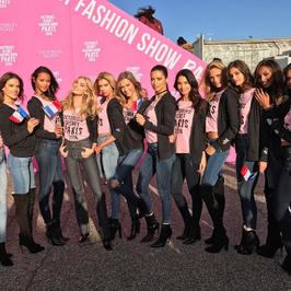 Victoria's Secret Fashion Show 2016 przed nami. Kendall Jenner i inne piekności już na miejscu. Zobacz zdjęcie!