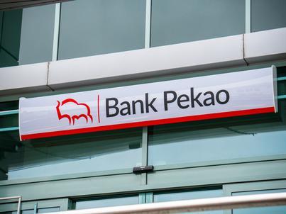 Bank Pekao nie informował klientów o zmianach w opłatach w latach 2014-2015 na trwałym nośniku