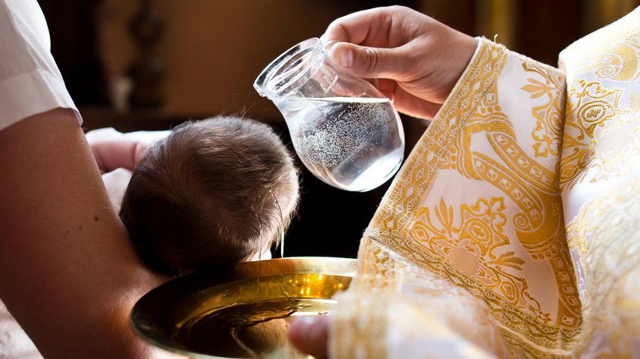 Czy po apostazji można ochrzcić dziecko?