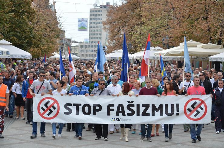278483_novi-sad-048-antifasisticka-setnja-za-slobodu-foto-nenad-mihajlovic