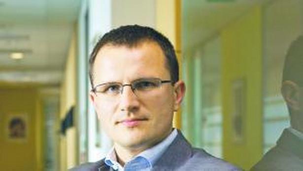 Marcin Chomiuk (PwC) - najlepszy doradca podatkowy w kategorii VAT. Doradca podatkowy, lider zespołu VAT i partner w PwC. Doradza klientom z wielu branż, w tym w szczególności z sektora finansowego, w zakresie podatku od towarów i usług.