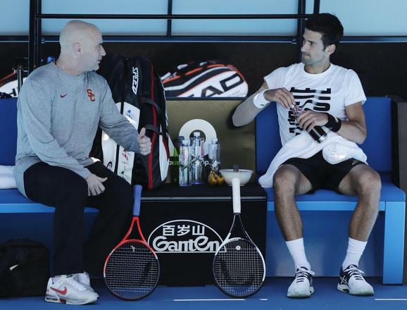 Konsultacije: Andre Agasi i Novak Đoković