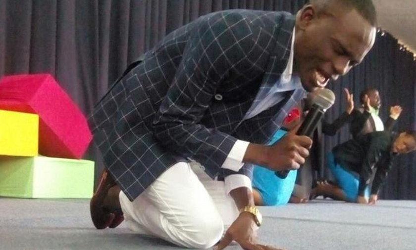 Paul Sanyangore twierdzi, że ma numer do Boga. Ludzie mu wierzą...