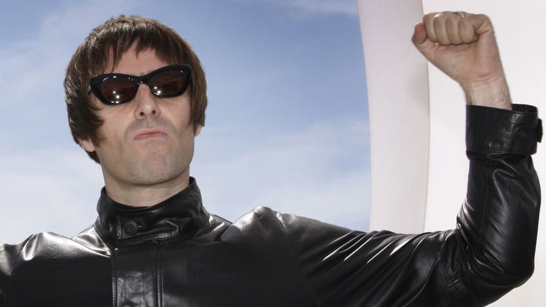 """Były wokalista Oasis został obwołany najlepszym frontmanem wszech czasów. Dorobek Liama Gallaghera zamyka nagrany wraz z zespołem Beady Eye longplay """"Different Gear, Still Speeding"""", który ukazał się w lutym 2011 roku"""