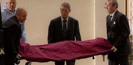 Tak wynosili ciało Amy Winehouse