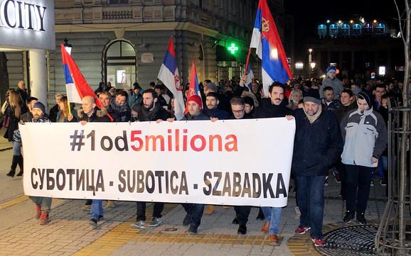Protestna šetnja pod sloganom