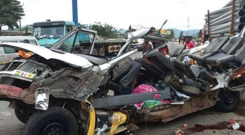 3 dead after trucks collide in gruesome morning accident