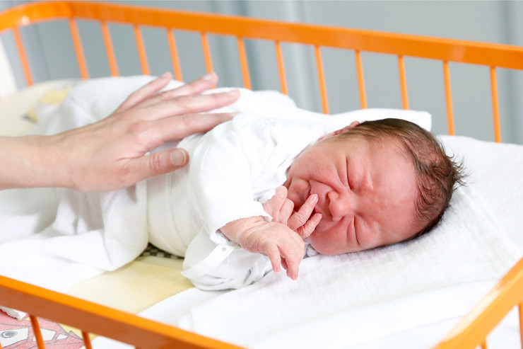 Mnogo manej rođenih beba