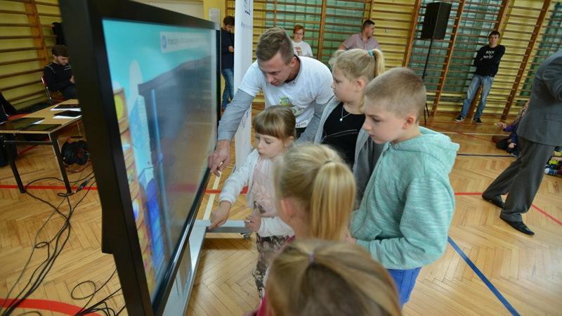 Samsung i Grupa Edukacyjna S.A. wprowadzają nowe technologie do polskich szkół