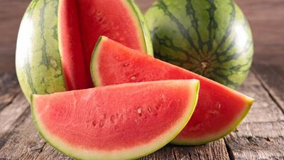 How watermelon reduces wrinkles and brightens skin