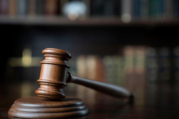 Z kolei trzymiesięcznym vacatio legis objęte są zapisy o uregulowaniu sposobu tworzenia, przetwarzania oraz archiwizowania bądź niszczenia akt sądowych w sprawach rozpoznawanych przez Sąd Najwyższy.