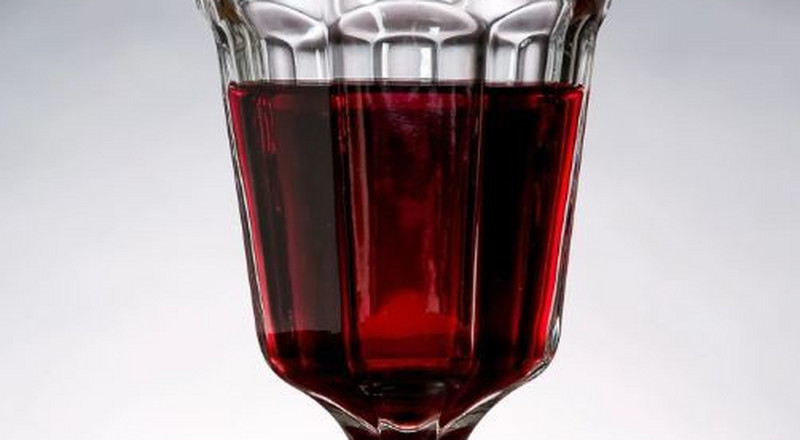 Thieves break into church, replace altar wine with urine