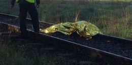 Rowerzysta wjechał pod pociąg. Nie żyje