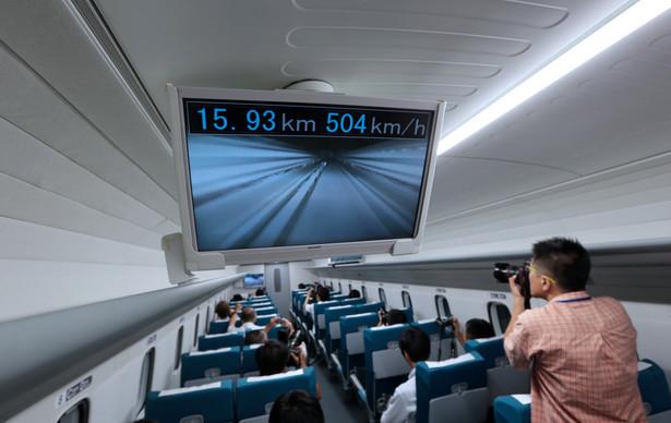 W pefekturze Yamanashi wznowiono prace nad słynnym Maglevem. Pociąg ma jeździć po magnetycznych poduszkach na zasadach lewitacji. Będzie więc unosić się nad torami, bez dotykania ich.