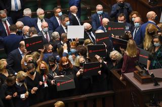 Wicemarszałek Terlecki wykluczył z obrad Sejmu posłów KO; Klaudię Jachirę i Sławomira Nitrasa