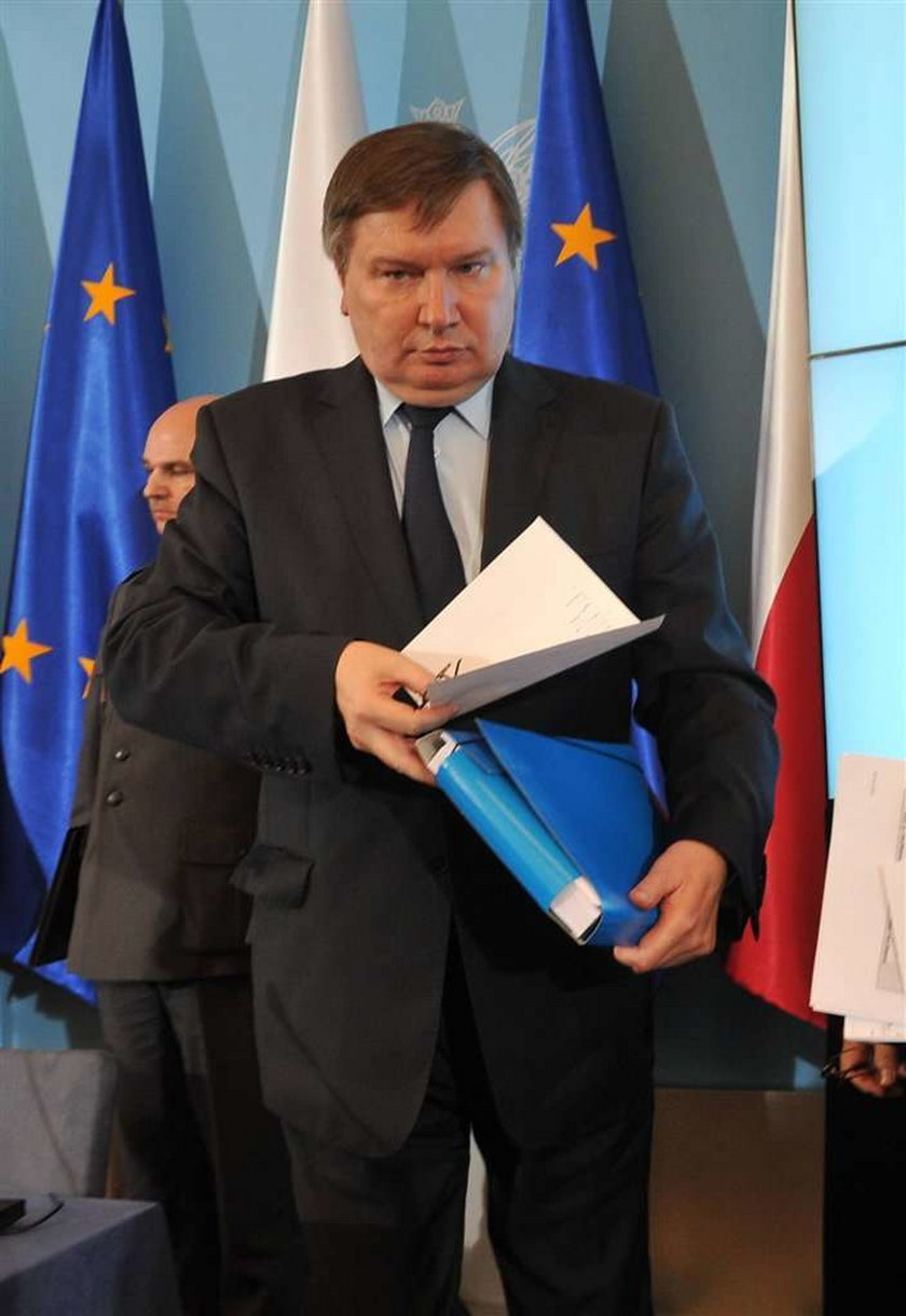 Minister Tuska do kolegów: Przeproście za Błasika