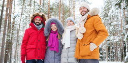 Ciepłe i modne kurtki zimowe - sportowe i eleganckie modele w promocji