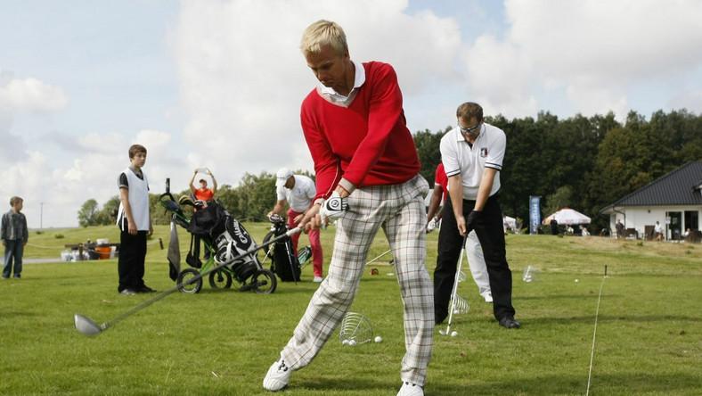 Kovalainen gra w Polsce w golfa i buduje letnią rezydencję