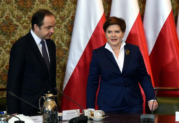 Premier Beata Szydło oraz sekretarz stanu ds. europejskich Konrad Szymańsk