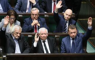 Wyższe emerytury od 1 marca 2017. Sejm przyjął ustawę