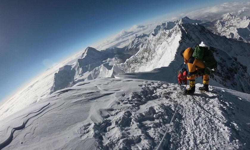 To już 10 ofiara śmiertelna w tym sezonie na najwyższym szczycie świata