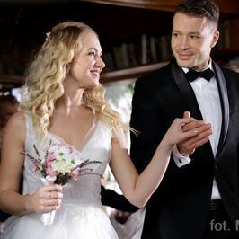 """""""M jak Miłość"""": przyjęcie weselne Asi i Tomka. Co wydarzy się w najbliższym odcinku?"""