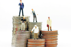 plate, platni razredi, stock-photo-miniature-people-with-various-occupations-standing-on-coins-money-1011468169