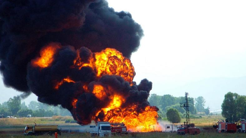 Firefighters struggle to douse a pipeline explosion (illustration)
