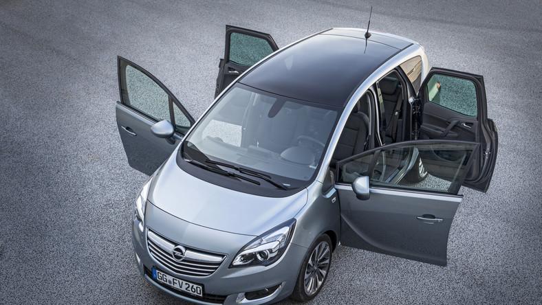 W największej niemieckiej ankiecie motoryzacyjnej (VOSS - Vehicle Ownership Satisfaction Study) oceniano 26 producentów i ponad 100 modeli samochodów (w wersjach produkcyjnych). Analitycy J.D. Power (instytutu badania rynku) przeprowadzili badanie on-line. Ankiety w 2013 roku wypełniło ponad 18 tys. kierowców, którzy jeżdżą danym modelem od około 2 lat. Ocenę dotyczącą zadowolenia wystawiano tylko wtedy, jeśli uzyskano co najmniej 50 odpowiedzi spełniających odpowiednie kryteria. Samochody były oceniane w czterech kategoriach: jakość i niezawodność, atrakcyjność, koszty serwisu oraz koszty utrzymania. Co może być zaskoczeniem, mimo że ankieta została przeprowadzona w Niemczech, wśród zwycięzców poszczególnych dziewięciu segmentów tylko cztery modele są produktami marek niemieckich. Na poszczególnych zdjęciach są prezentowane trzy najwyżej ocenione modele samochodów w swoich klasach…