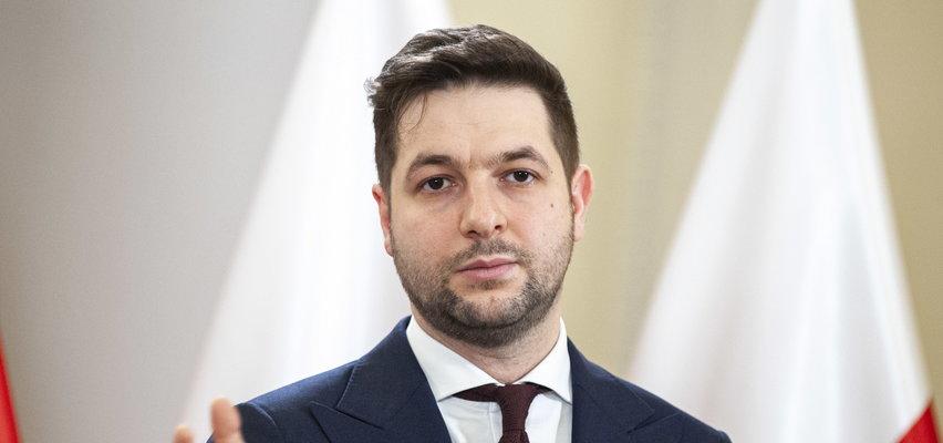 Nieprzyjemna sytuacja Patryka Jakiego. O wszystko obwinił dziennikarzy TVN