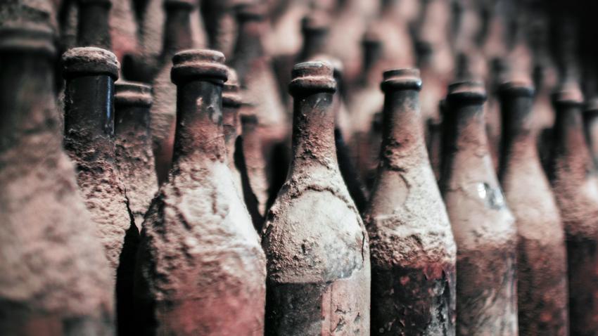 Znalezione obrazy dla zapytania stare butelki piwa