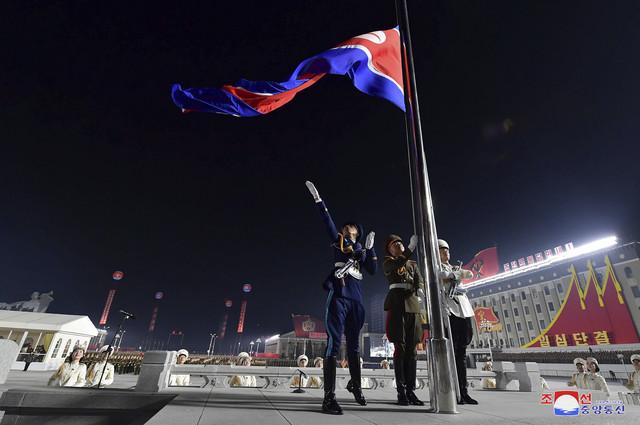 Severna Koreja, vojna parada