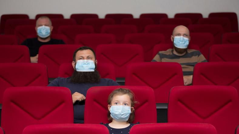Koronawirus. Kino. Wydarzenia kulturalne. Maseczki