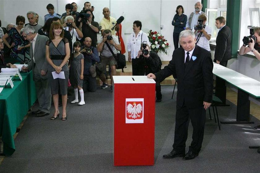 wybory prezydenckie, Jarosław Kaczyński, Marta Kaczynska, Dubieniecki, głosowanie, urna