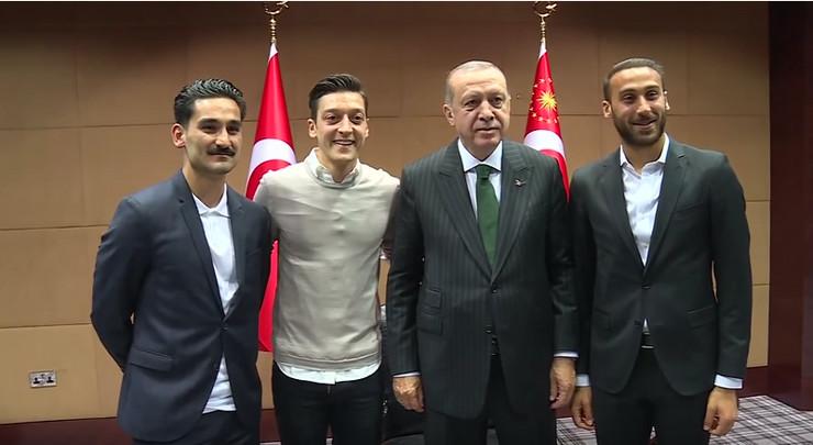 ozil, gundogan i tosun sa erdoganom
