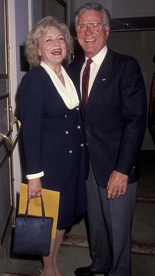 Jackie Cooper i Betty White (1993)