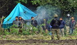 Migranci z Usnarza potraktowani gazem. Siłą forsowali granicę? Są informacje o szarpaninie