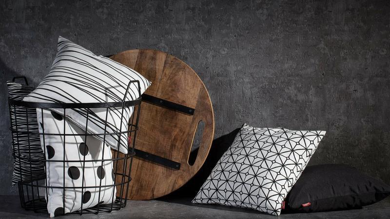 Modne poduszki w geometryczne wzory