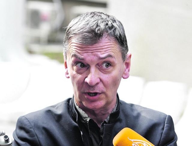 Premijerki je saopšteno da će, ukoliko država ne ukloni cevi iz reke, to učiniti građani, kaže Aleksandar Jovanović