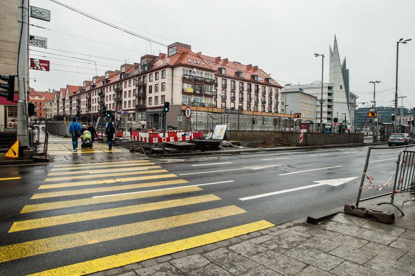 Nowe przejście tymczasowe przez Kazimierza Wielkiego we Wrocławiu