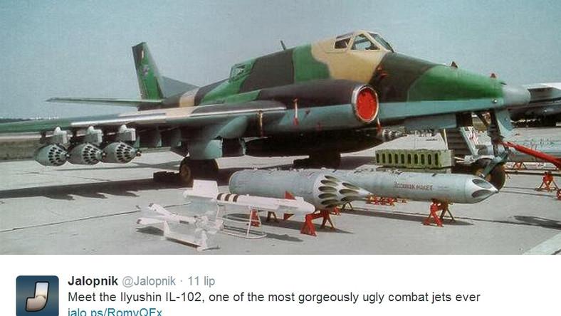 Na przełomie lat 70. i 80. podjęto decyzję o zakupie nowego samolotu szturmowego. Rywalizacji podjęły się trzy firmy: Iljuszyn, MiG oraz Suchoj. Niestety propozycja pierwszego z nich (Ił-102) okazała się nie dość dobra... Zwyciężył Suchoj z myśliwcem Su-25