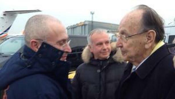 Michaił Chodorkowski wita się z ojcem