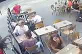 Napad Pariz devojka Francuska dobacivanje prtscn Youtube Marie Laguerre