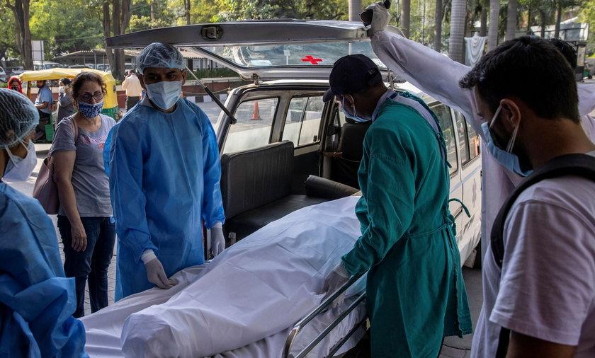 """""""Żółty grzyb"""" zdiagnozowany u ozdrowieńca w Indiach. Jest się czego bać?"""