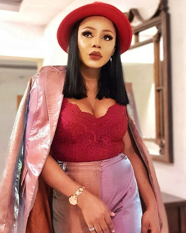 Ifu Ennada is in the news again and this time around she is apologising and clearing the air over the gist that she leaked a chat conversation between former BBNaija housemate Alex and herself. [Instagram/IfuEnnada]