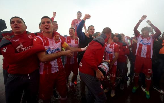 Fudbaleri Zvezde su u nedelju proslavili osvajanje 30. titule