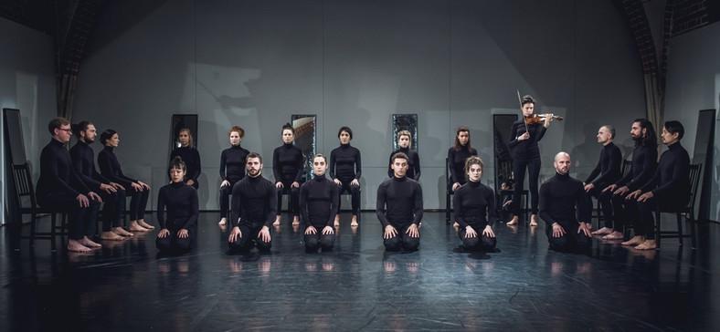 """Island"" Teatr Pieśń Kozła, fot. Mateusz Bral"