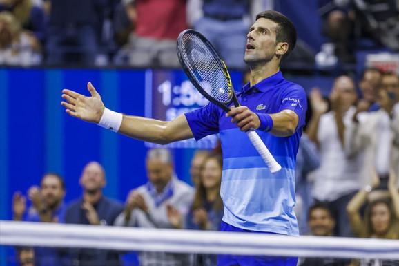 """""""Ne kažem da će PASTI SA LITICE, ali..."""" Legendarni Austrijanac """"secirao"""" Novaka Đokovića, pa u kritiku ubacio Nadala i Federera i ŠOKIRAO teniski svet!"""